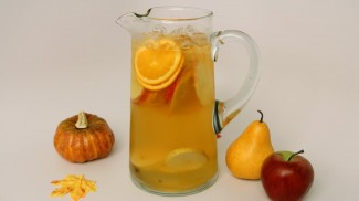 Fall Sangria Recipe – Laura Vitale – Laura in the Kitchen Episode 464