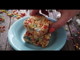 Party Recipes – How to Make Funfetti Rice Crispy Treats