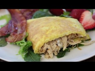 Thanksgiving Leftover Recipes – How to Make a Turkey-Filled Omelette