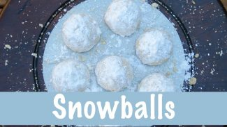 Snowball Cookies | Christmas Cookies | The Frugal Chef